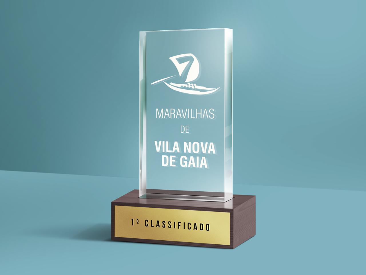 7_Maravilhas_Glass-Trophy-Mockup_